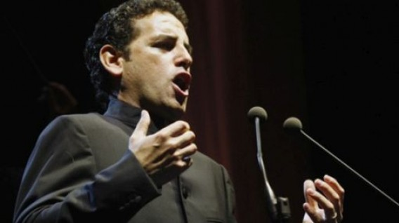 Peruvian tenor Juan Diego Flores will perfom on the last day of the IMF/WB event. (Photo: USI)