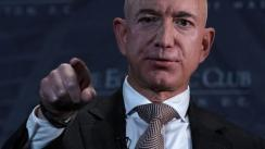 Jeff Bezos no solo se enfrenta al National Enquirer, también a Trump