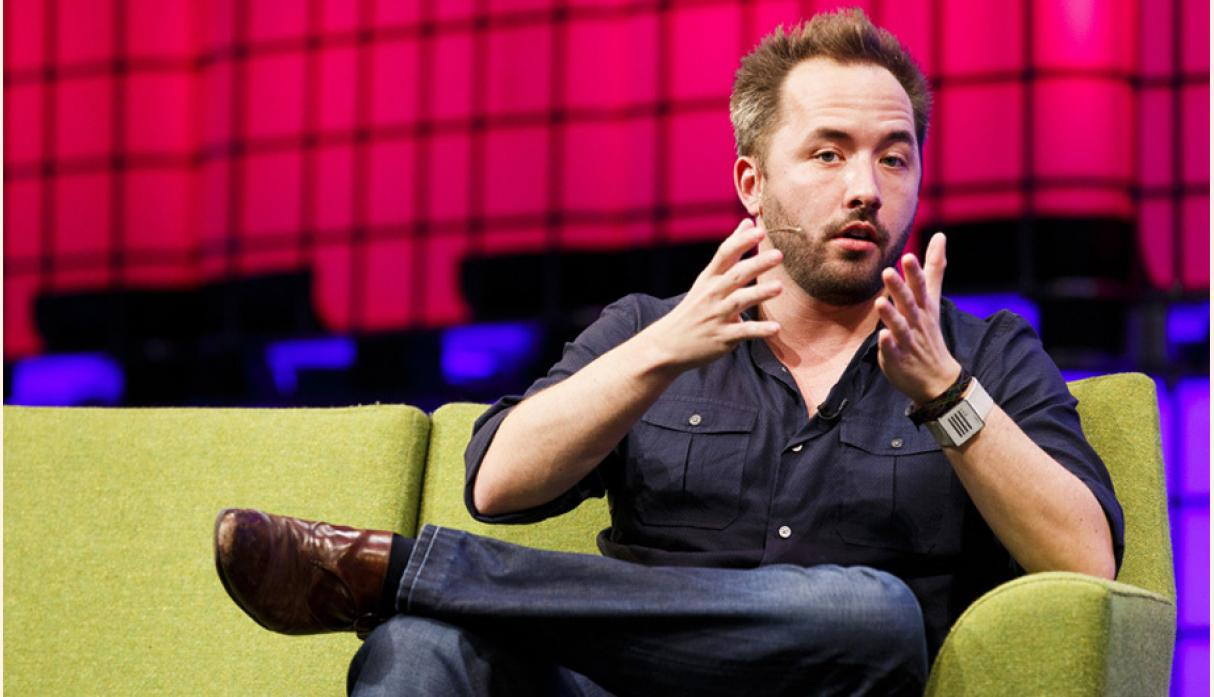 Dibujó Houston CEO de Dropbox, Valuación US$ 10.4 billones, Sector Almacenamiento en la nube, Sede San Francisco, Fundado	2007