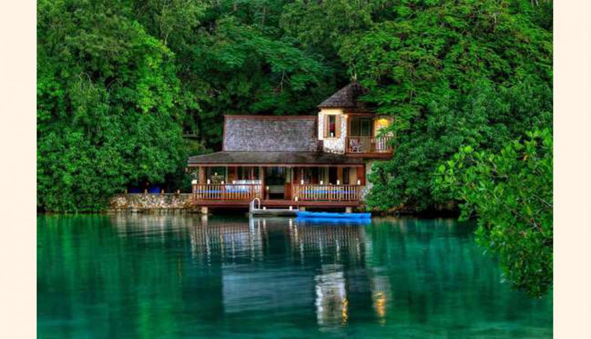 Golden Eye, Oracabessa Bay (Jamaica). Lo que era la antigua residencia de Ian Fleming (autor de James Bond), es hoy un refugio formado por once cabañas sólo aptas para quienes estén dispuestos a apagar el móvil y relajarse. Un lugar donde disfrutar de la