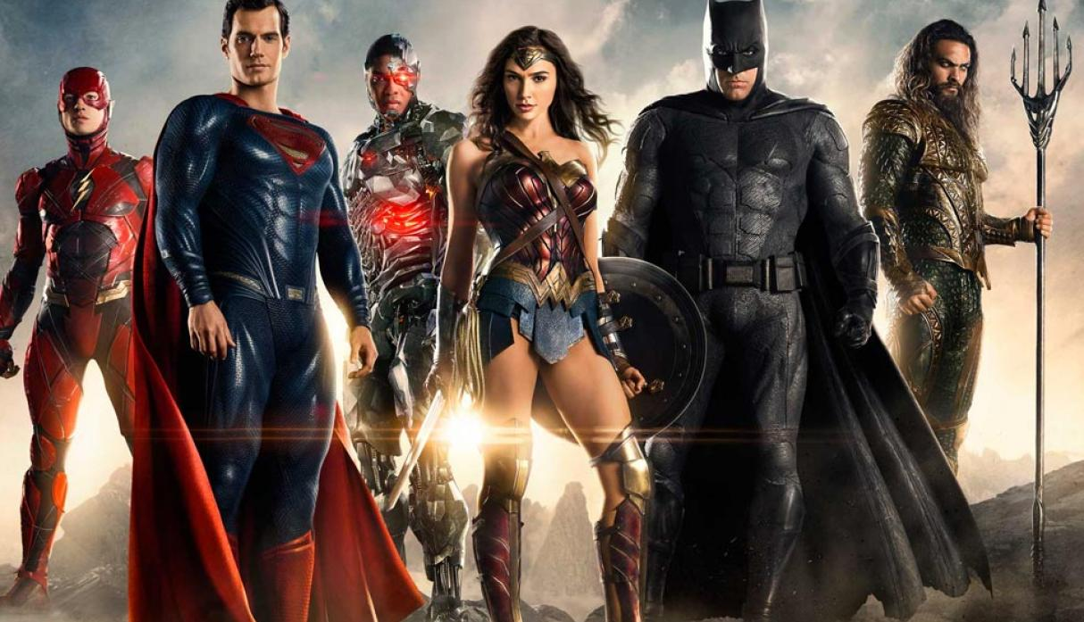 "FOTO 1 | ""Justice League"", la esperada alianza de los superhéroes formada por Batman (Ben Affleck), Wonder Woman (Gal Gadot), Aquaman (Jason Momoa), Cyborg (Ray Fischer) y Flash (Ezra Miller) recaudó US$ 96 millones entre el viernes y el domingo"